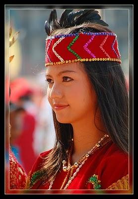 GIRLS-Dayak-4